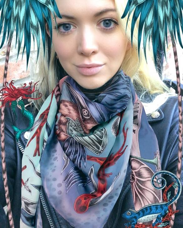 emma shipley wearing an augmented reality scarf using the scarfi app, Fashion Innovation Agency