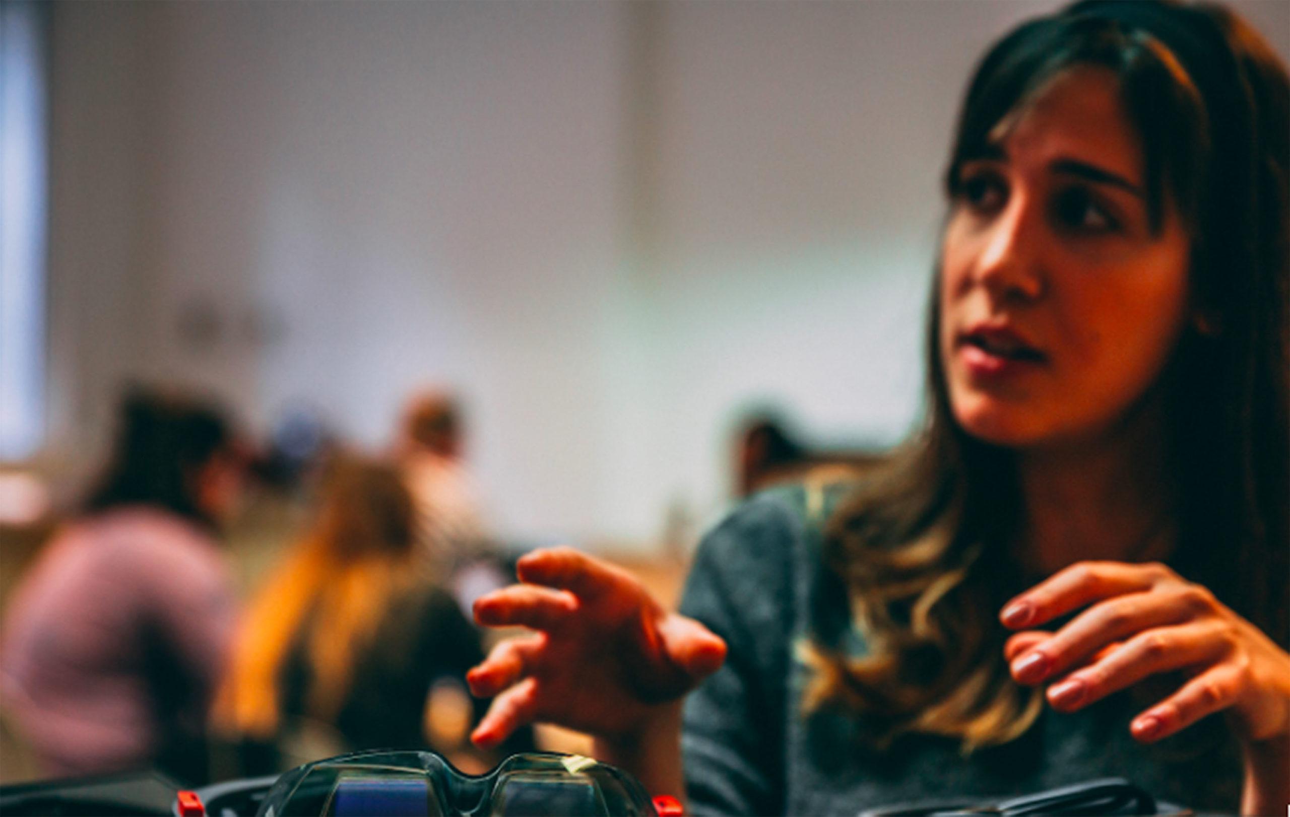 microsoft workshop, mixed reality, girl talking, fashion innovation agency