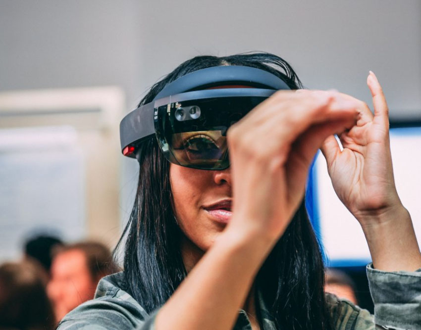 girl in mixed reality headset, microsoft, fashion innovation agency